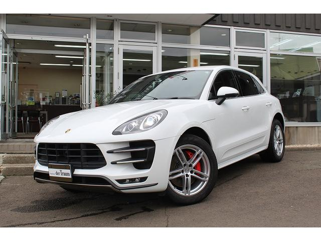 porsche macan macan turbo 2015 white 18 000 km. Black Bedroom Furniture Sets. Home Design Ideas