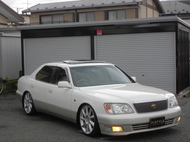 トヨタ B仕様 eRバージョン 車高調 19インチ