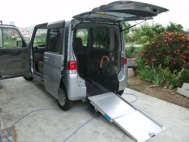 フレンドシップ スローパー 4人乗り車椅子電動固定装置 リヤシート付