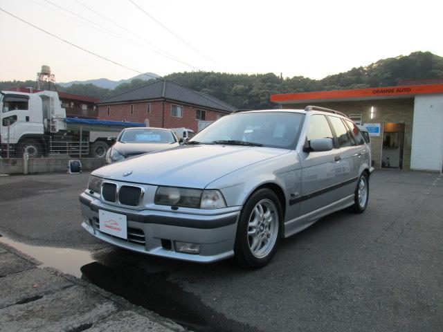 BMW 3シリーズ 328iツーリング (なし)