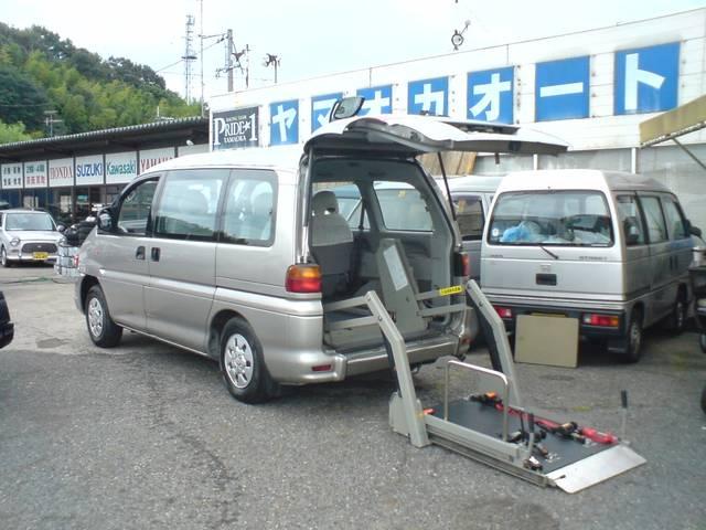 三菱 福祉車両 車いす移動車 電動リフト