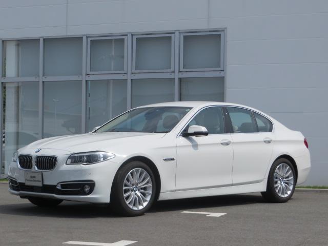 BMW 5シリーズ 523iラグジュアリー認定中古車 マルチディス...