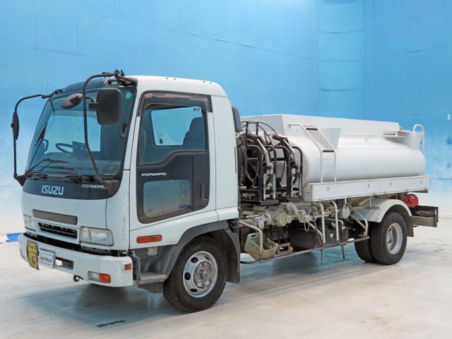いすゞ タンクローリー 3.2t積載 190ps 東急3室4KL