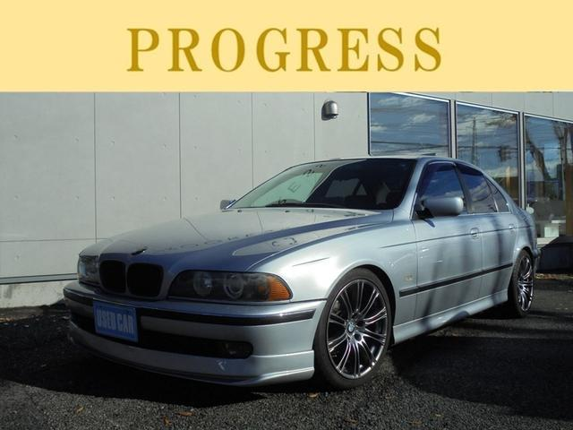 525i グレー革 サンルーフ ローダウン アルミ マフラー BMW BMW 525i グレー革 サンルーフ ローダウン アルミ マフラー 1998年 検29.5 5.8万Km 2.5L   PROGRESS (株)プログレス   新潟県新潟市西区