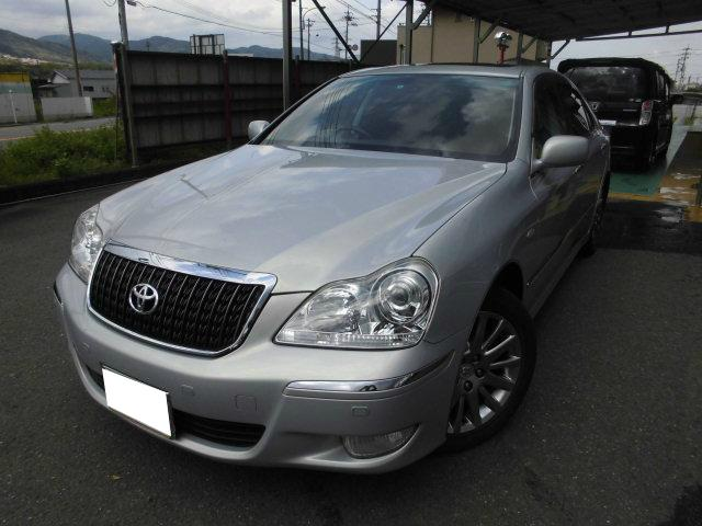 TOYOTA CROWN MAJESTA C TYPE F PACKAGE | 2008 | SILVER | 93,000 km