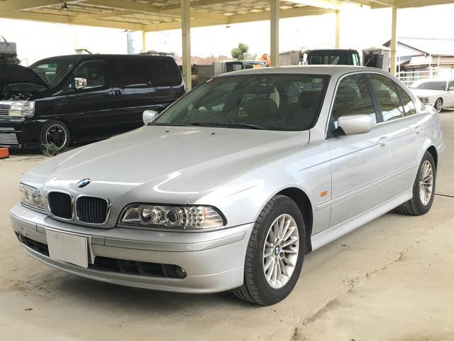 BMW 5シリーズ 525i 革シート パワーシート (なし)