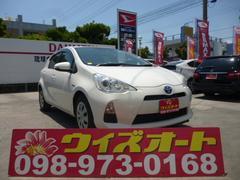 沖縄の中古車 トヨタ アクア 車両価格 84万円 リ済込 平成24年 9.1万K パールホワイト
