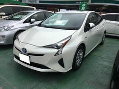 沖縄の中古車 トヨタ プリウス 車両価格 226.8万円 リ済別 平成28年 0.3万K パールホワイト
