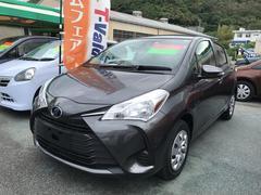 沖縄の中古車 トヨタ ヴィッツ 車両価格 125万円 リ済別 平成29年 0.8万K グレー