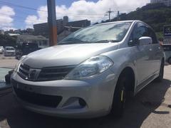 沖縄の中古車 日産 ティーダ 車両価格 50万円 リ済込 平成22年 5.7万K シルバー