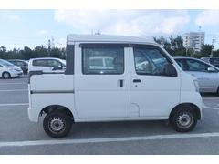 沖縄の中古車 ダイハツ ハイゼットカーゴ 車両価格 49万円 リ済込 平成23年 11.4万K ホワイト