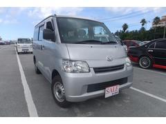 沖縄の中古車 トヨタ タウンエースバン 車両価格 65万円 リ済込 平成24年 13.0万K シルバー