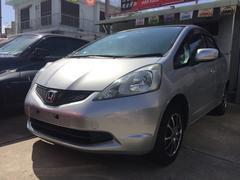 沖縄の中古車 ホンダ フィット 車両価格 33万円 リ済込 平成22年 13.1万K シルバー