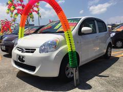 沖縄の中古車 ダイハツ ブーン 車両価格 65万円 リ済込 平成24年 6.0万K ホワイト