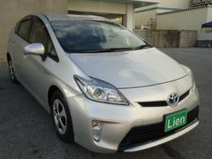 沖縄の中古車 トヨタ プリウス 車両価格 118万円 リ済込 平成24年 6.0万K シルバーM