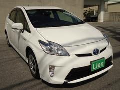 沖縄の中古車 トヨタ プリウス 車両価格 118万円 リ済込 平成24年 4.6万K ホワイト