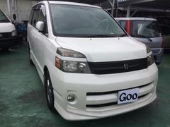 沖縄の中古車 トヨタ ヴォクシー 車両価格 47万円 リ済込 平成17年 8.2万K ホワイト