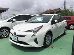 沖縄の中古車 トヨタ プリウス 車両価格 224万円 リ済別 平成27年 1.7万K パールホワイト