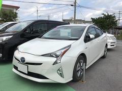 沖縄の中古車 トヨタ プリウス 車両価格 238万円 リ済別 平成28年 2.9万K パールホワイト