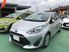 沖縄の中古車 トヨタ アクア 車両価格 170万円 リ済別 平成29年 0.4万K シルバー