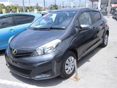沖縄の中古車 トヨタ ヴィッツ 車両価格 70.2万円 リ済別 平成23年 3.7万K グレー