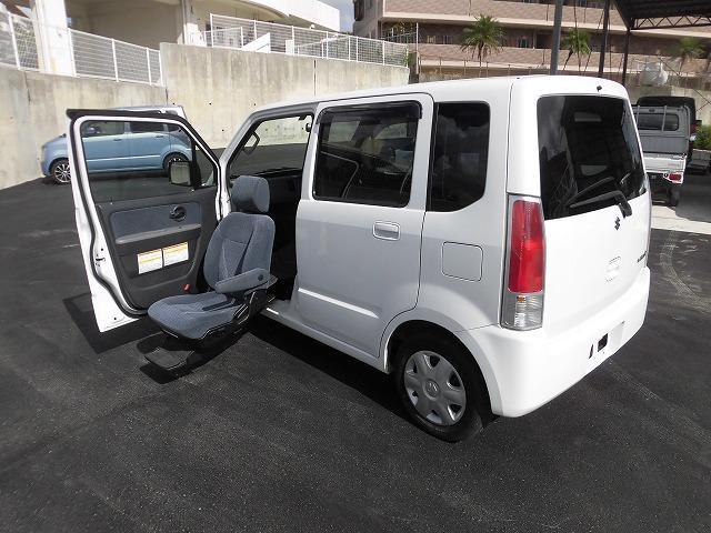 乗り降りラクラク!安心の助手席リフト車安心保証付!内外装とてもキレイなお買得車です!!