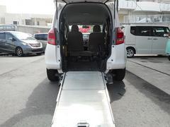 沖縄の中古車 トヨタ ラクティス 車両価格 39.8万円 リ済込 平成18年 10.6万K ホワイト