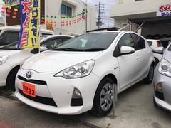 沖縄の中古車 トヨタ アクア 車両価格 59万円 リ済込 平成24年 10.7万K ホワイト