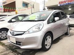 沖縄の中古車 ホンダ フィットハイブリッド 車両価格 48万円 リ済込 平成23年 7.9万K シルバー