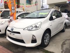沖縄の中古車 トヨタ アクア 車両価格 75万円 リ済込 平成24年 4.6万K ホワイト