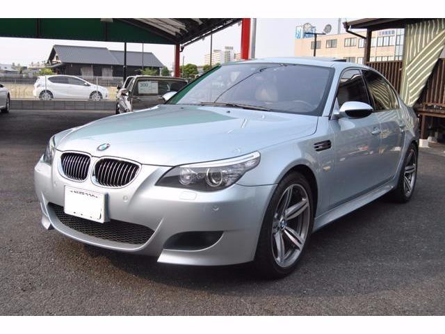 BMW M5 ワンオフ中間マフラー