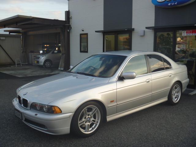 BMW 5シリーズ 530i 黒革 サンルーフ (車検整備付)