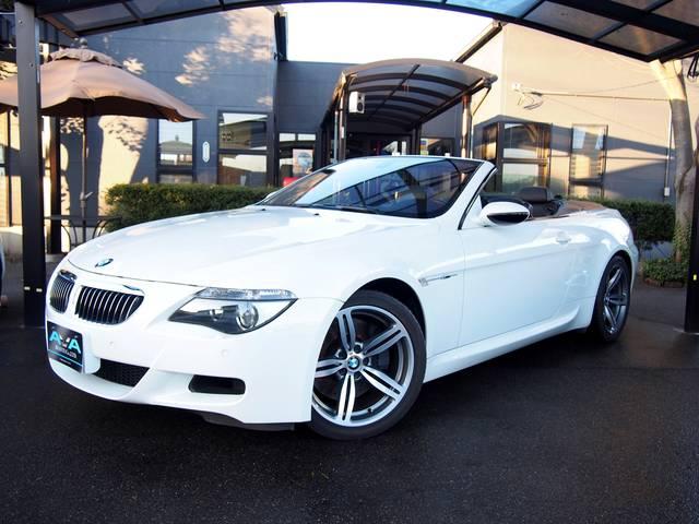 BMW M6 カブリオレ 黒革シート V10エンジン (検31.3)