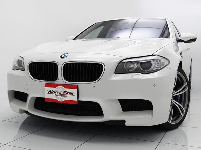 BMW M5 OP20インチAW サンルーフ 黒革スポーツシート