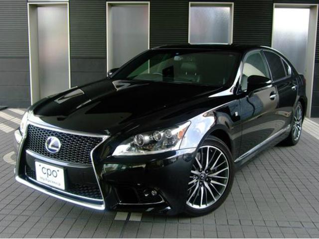 レクサス LS600h Fスポーツ 内装色 ブラック&ホワイトグレー