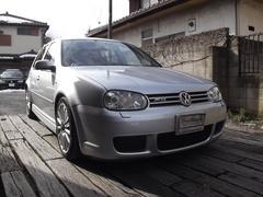 VW ゴルフ R32 6速マニュアル(フォルクスワーゲン)