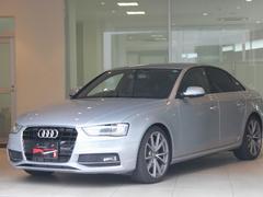アウディ A42.0T 2015モデル Sライン 19AW 認定中古車