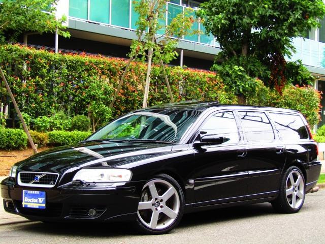 ボルボ V70 R 4WD 2005年モデル限定車 黒革S 専用1...