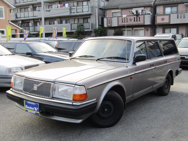 ボルボ 240ワゴン ブラック本革シート スチールホイル (車検整備付)