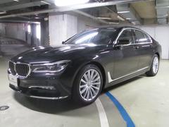 BMW740iプラスPKG・19インチ・ブラックレザー
