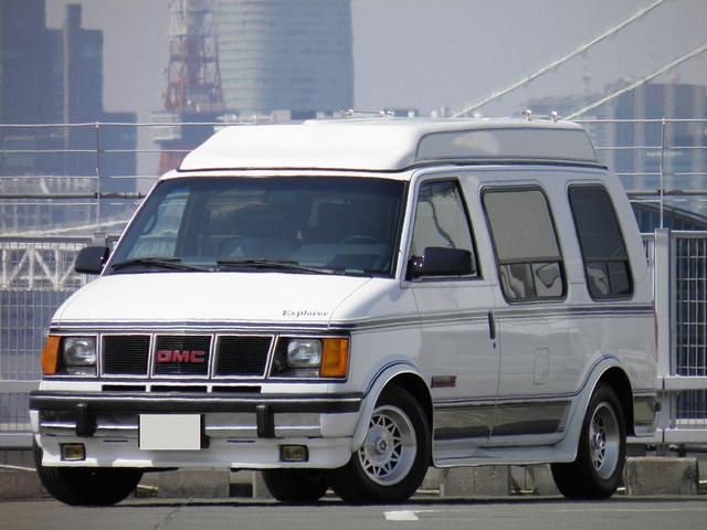 エクスプローラー AWD 新車並行車