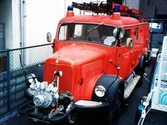 M・ベンツ消防車 4WD ディーゼル
