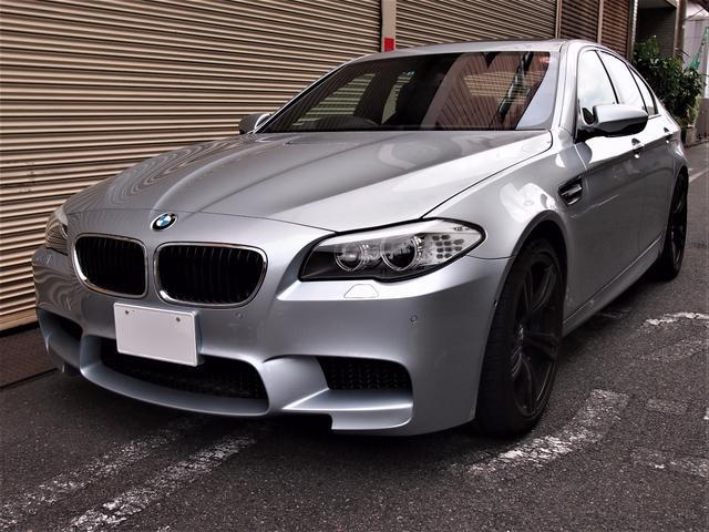 BMW M5 M5レザーSR 20インチ ワンオーナー (検30.9)
