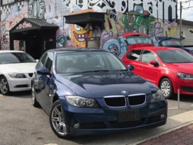 BMW 320i/6MT/社外HDDナビ/ハーフ革/ETC/Bカメラ
