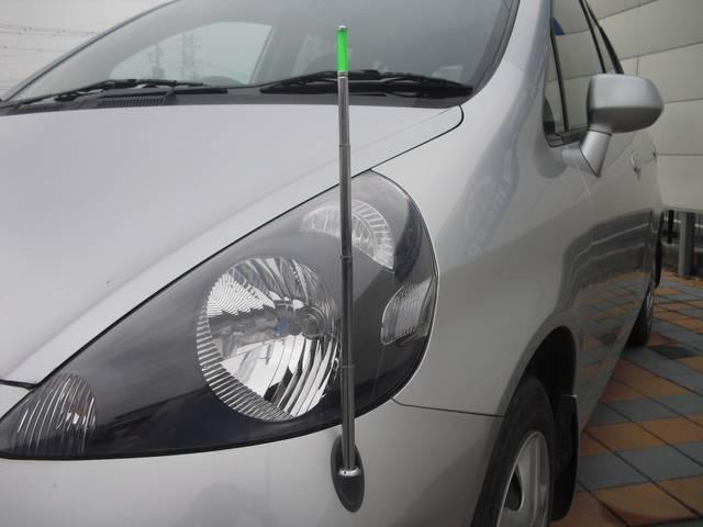*コーナーポールは必要な時だけ車内から出し入れの操作が出来る優れものです!!