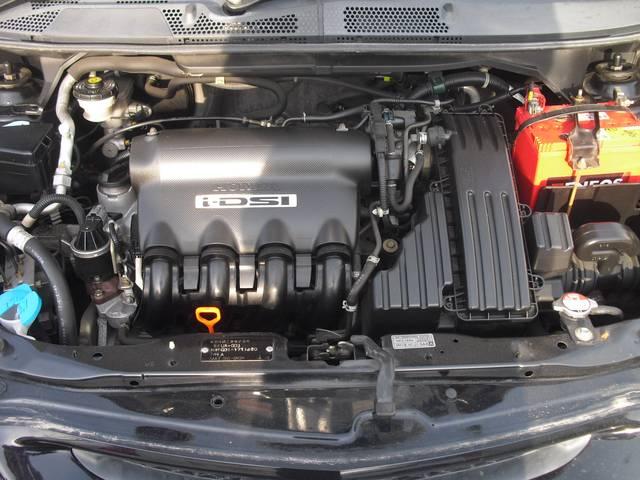 *ピカピカのエンジンルームです!当社の車両は内外装・エンジンルームにいたるまで綺麗に仕上げて展示しております!!