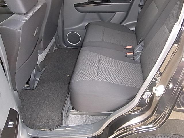 後部座席も広くお使いいただけます。