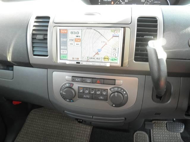 ナビ&TV(ワンセグ)で快適ドライブ! オートエアコンも便利です♪