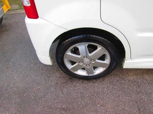 【内装クリーニング】中古車で気になる内装もシートを清掃し、細かいゴミやほこりなどをしっかりクリーニング致します!