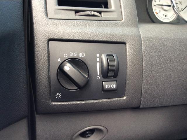 オートヘッドライトで付け忘れ、消し忘れを防止出来ます